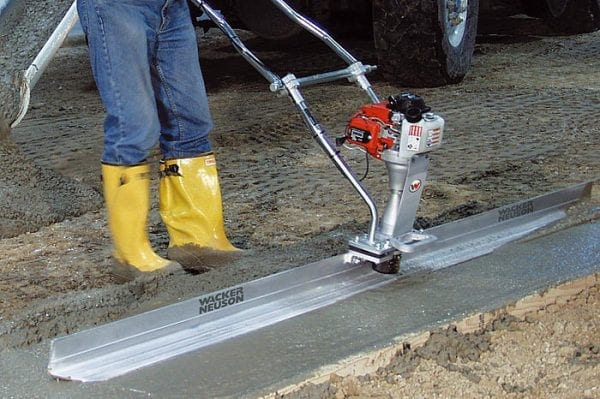 P35A - Vibrating Wet Screed