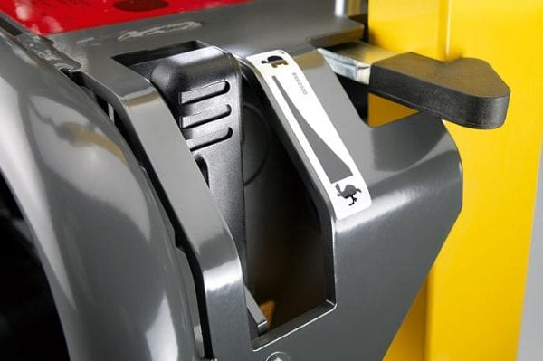DPU3760He - Vibrating Plate, Key Start - Diesel