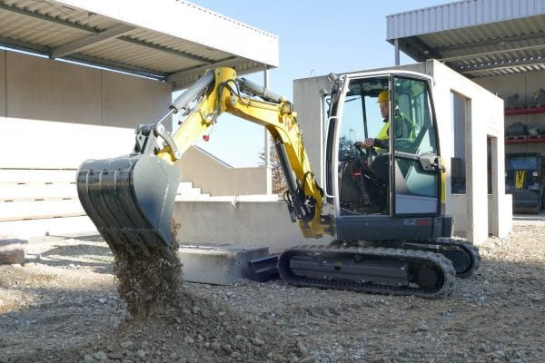 EZ26 Tracked Excavator - Zero Tail Swing - Incl. Easylock Hitch