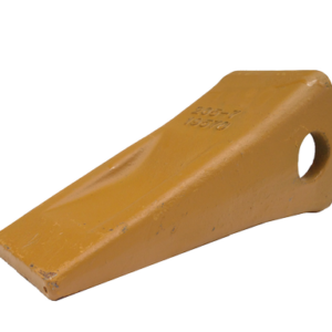 Komatsu Style PC200 Standard Chisel Tooth (PN: 205-70-19570)